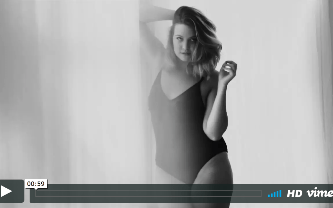 London boudoir photography: curvy Mollie on video